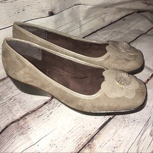 New A2 by Aerosoles suede shoes